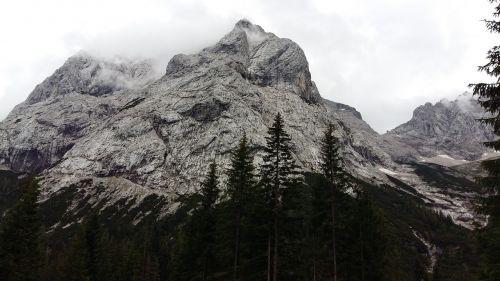 alm alpine mountains