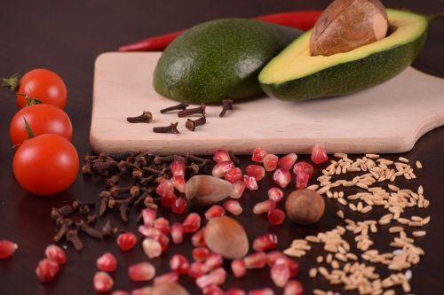 almonds tomato avocado