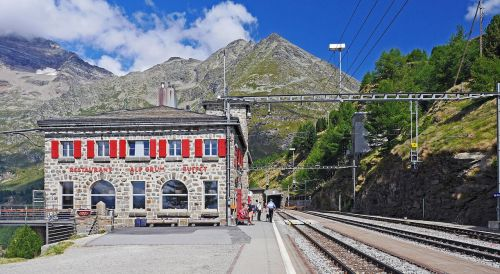 alp grüm bernina railway station