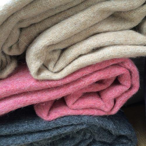 alpaka,antklodė,vilnos antklodė,žiema,šiluma