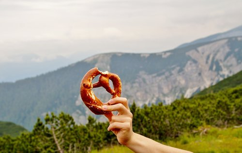 alps  pretzel  traditional