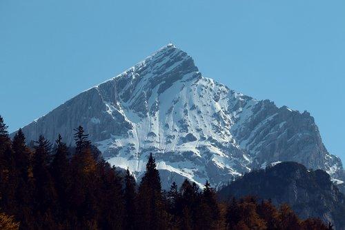 alpspitze  alpine  garmisch partenkirchen