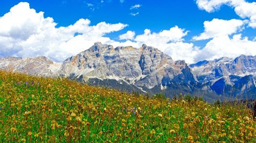alta badia mountain alps