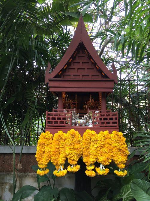 altar thailand religion