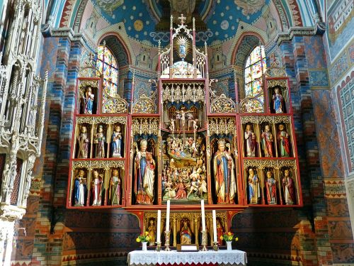 altar church architecture