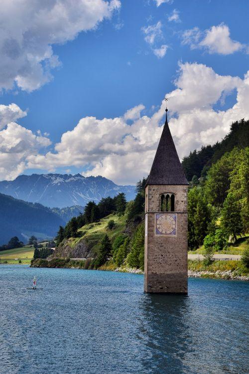altoadige mountain lake