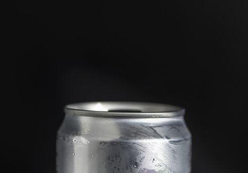 aluminium  beverage  black