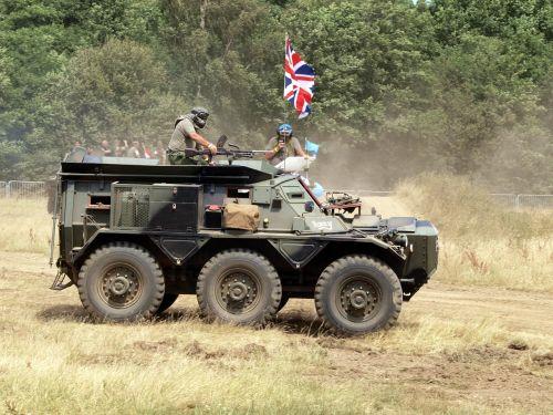 alvis saracen military