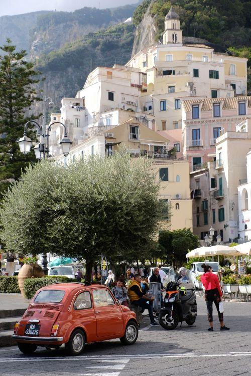 amalfi italian coast dolce vita fiat 500