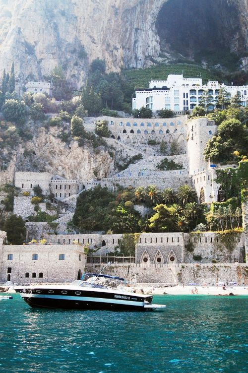 amalfi mediterranean water