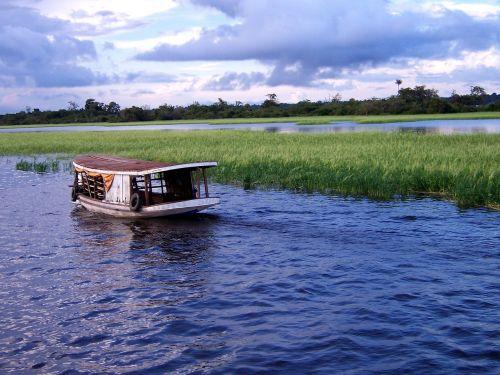 amazon boat brazil