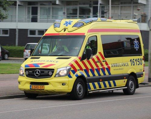 ambulance  pitch  nieuwerkerk