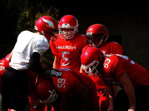 american football meeting red