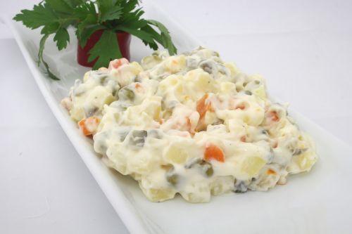 american salad mayonnaise garnish