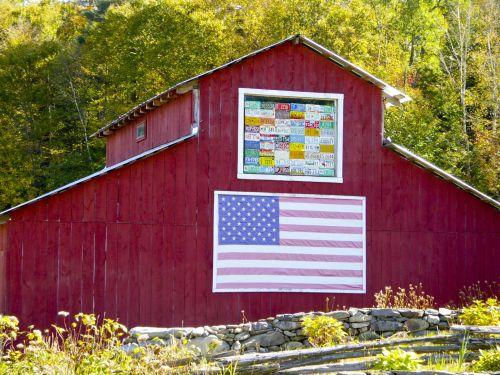 Americana Red Barn