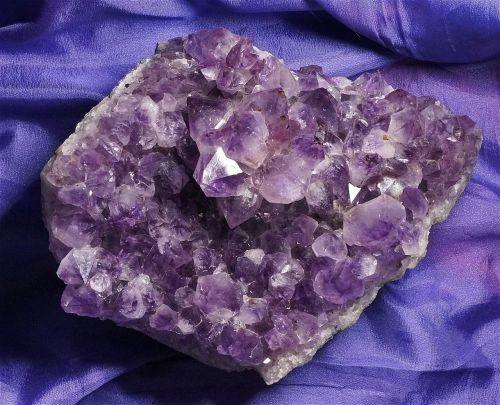 amethyst cluster quartz amethyst