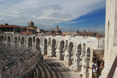 amphitheatre provence architecture