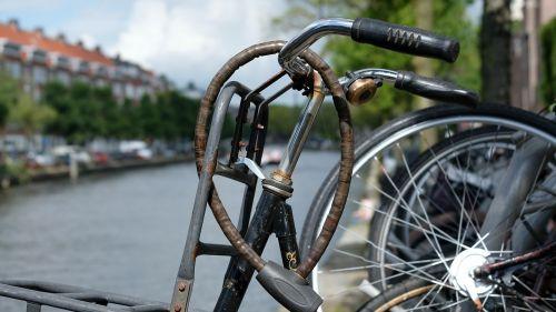 amsterdam channel bike