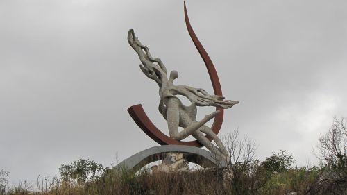 angel statue monument
