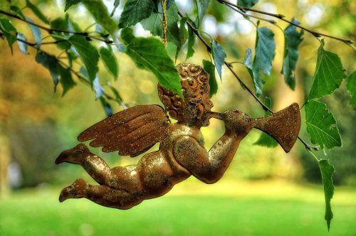 angel celestial trumpet