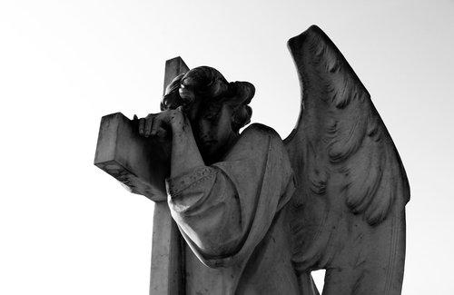 angel  statue  death