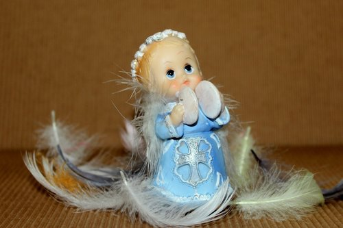 angel  christmas  the figurine