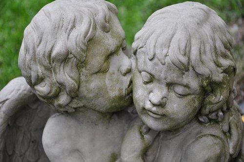 angel  kiss  love