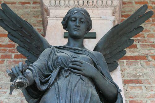 angel rose statue