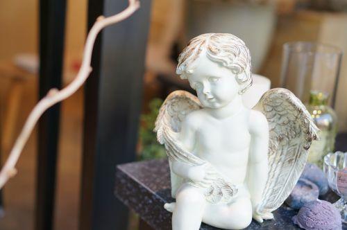 angel statue cherub
