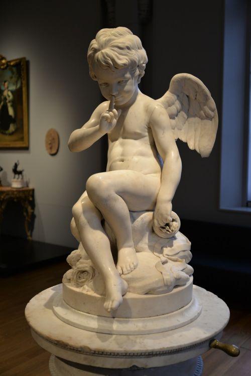 angel sculpture silence