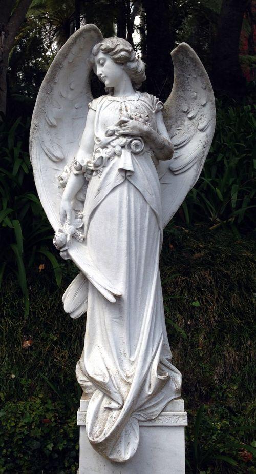 angel statue figure
