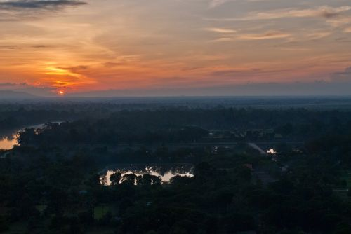 angkor wat temple complex sunset