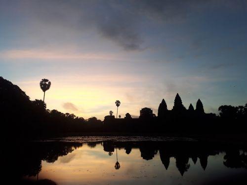 angkorwat cambodia sunrise