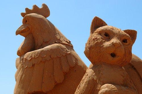 animal  statues  sand