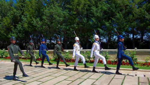 ankara mausoleum soldiers