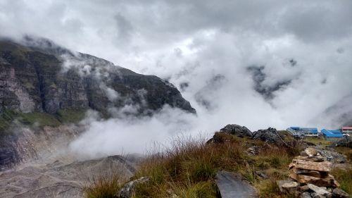 annapurna basecamp clouds