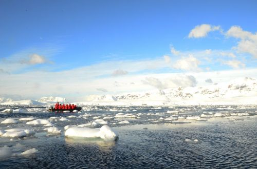 antarctica expedition ice flows