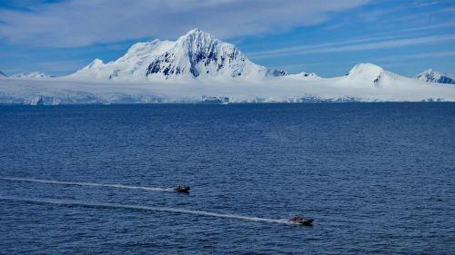 antarctica glacier snow