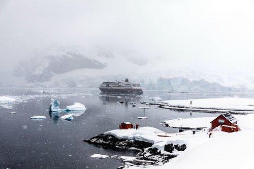 antarctica  continent  snow