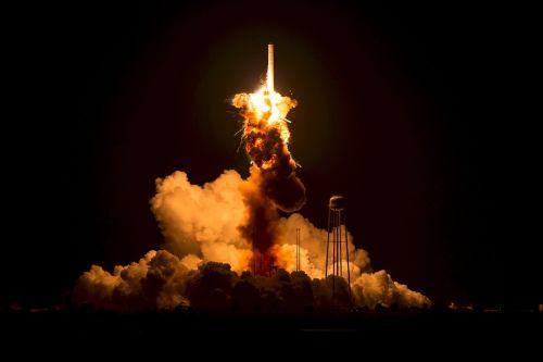 antares orb 3,pradėti nesėkmę,raketa,paleisti,orbitos mokslų korporacija,katastrofiška anomalija,avarija,nesėkmė,sprogimas,Ugnis