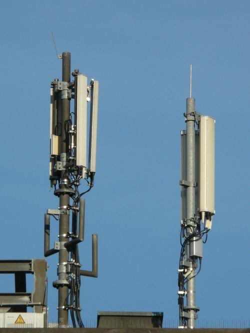antenos,mobilus,mobiliosios radijo antenos,umts,siųsti,mobilusis internetas,internetas