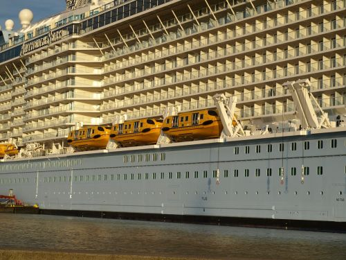anthem of the seas cruise ship lifeboats
