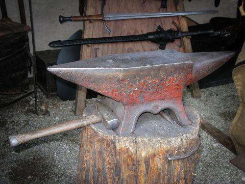 anvil hammer blacksmith