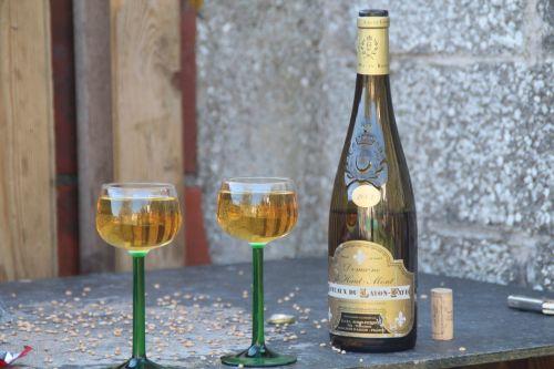 aperitif glass bottle