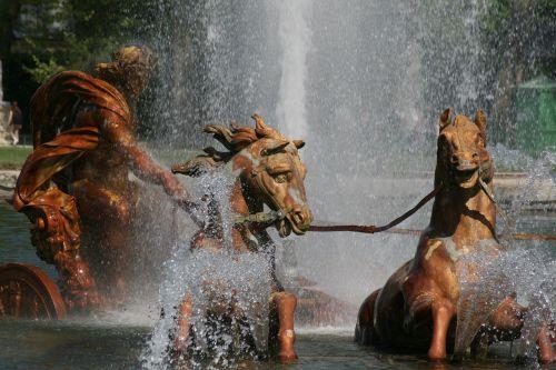 apollo god horses fountain