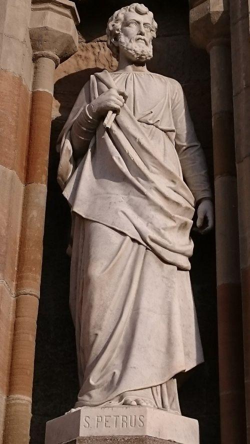 apostle peter statue