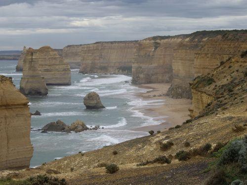 apostles great ocean road sea