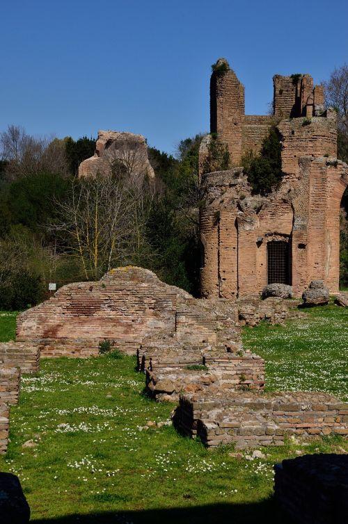 appia rome ruins