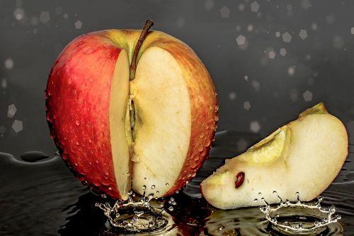 apple piece of apple cut