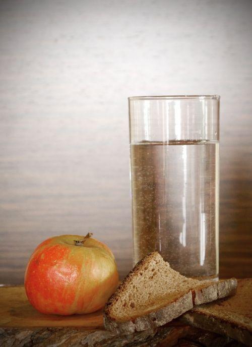 apple bread water